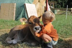 Kuhlose Milch! Dazu gibts gleich ein Bild von einer glücklichen Kuh! Bild geklaut hier:http://www.happykuh.de/dringend/  (auf diese Seite solltet ihr unbedingt mal schauen)